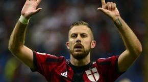 Milan-Napoli 2-0: un Menez da sogno regala ai rossoneri una notte da diavolo.